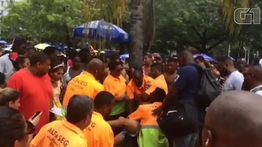 Homem é detido suspeito de furtar celular no Monobloco, Rio; vídeo