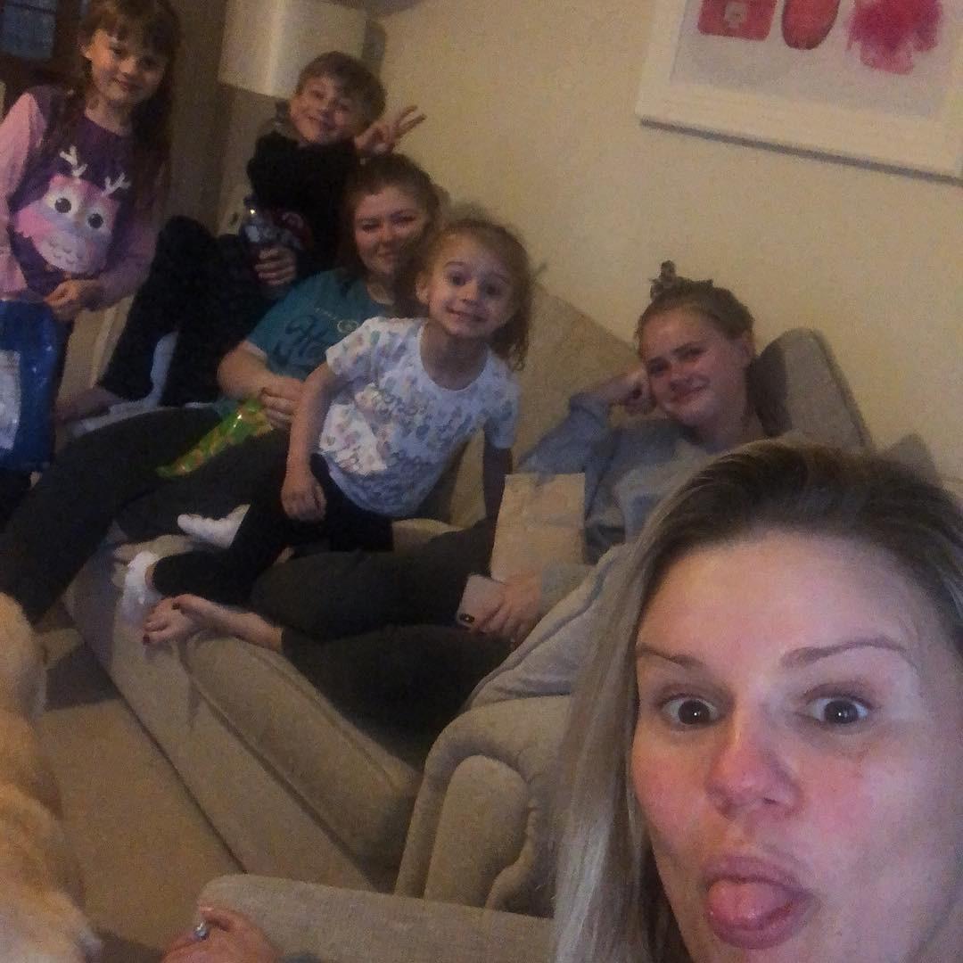 Kerry Katona e filhos (Foto: Reprodução)