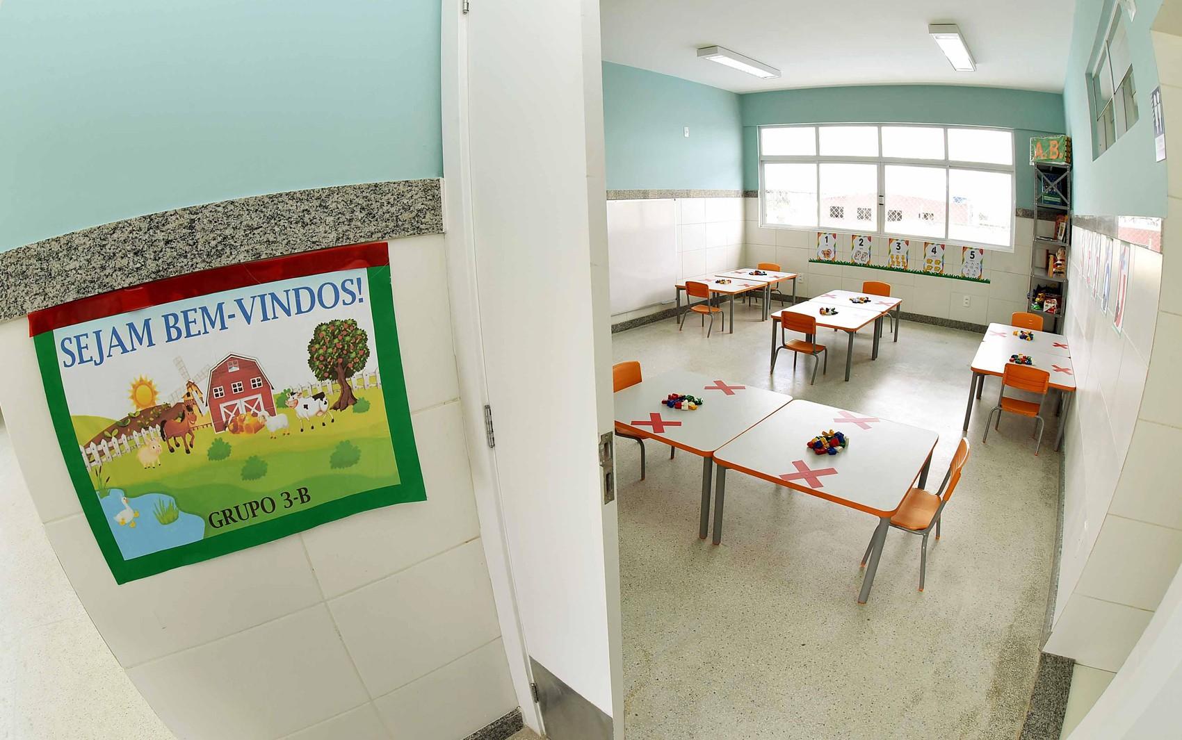 Após reunião, professores da rede municipal decidem pelo estado de greve e manutenção das aulas remotas em Salvador