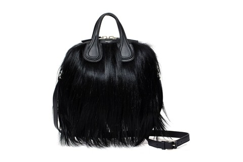 Bolsa Givenchy Micro Nightingale (R$19.980,80)