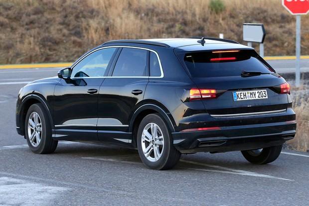 Lanternas do novo Audi Q3 ficam bem integradas aos para-lamas (Foto: AutoMedia/Autoesporte)