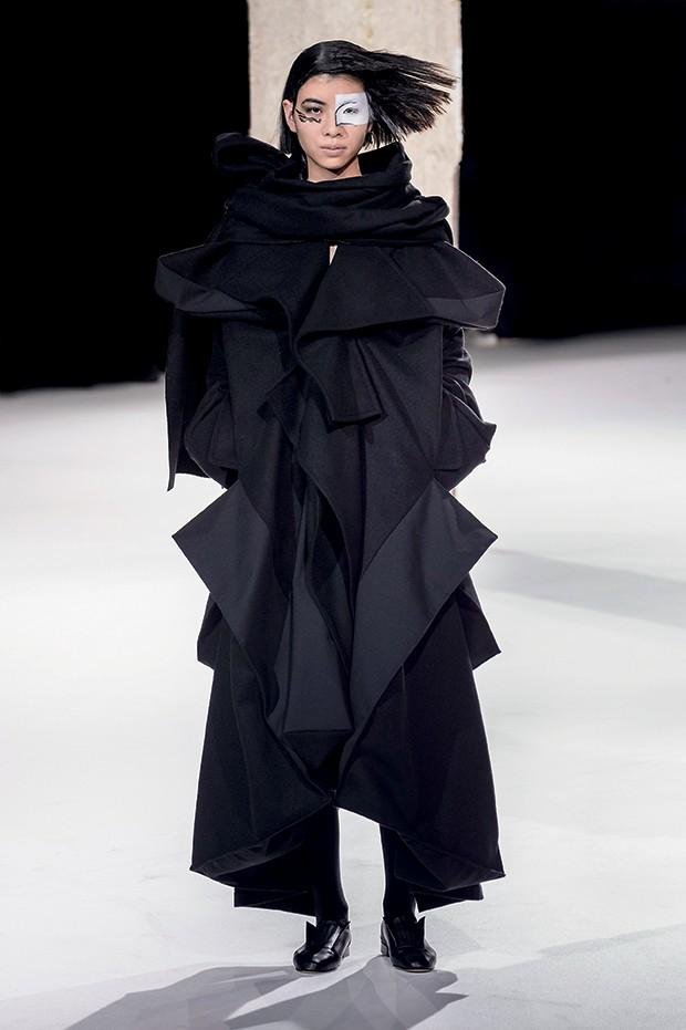 Ucha Meirelles Japonismo (Yohji Yamamoto) (Foto: Imaxtree)