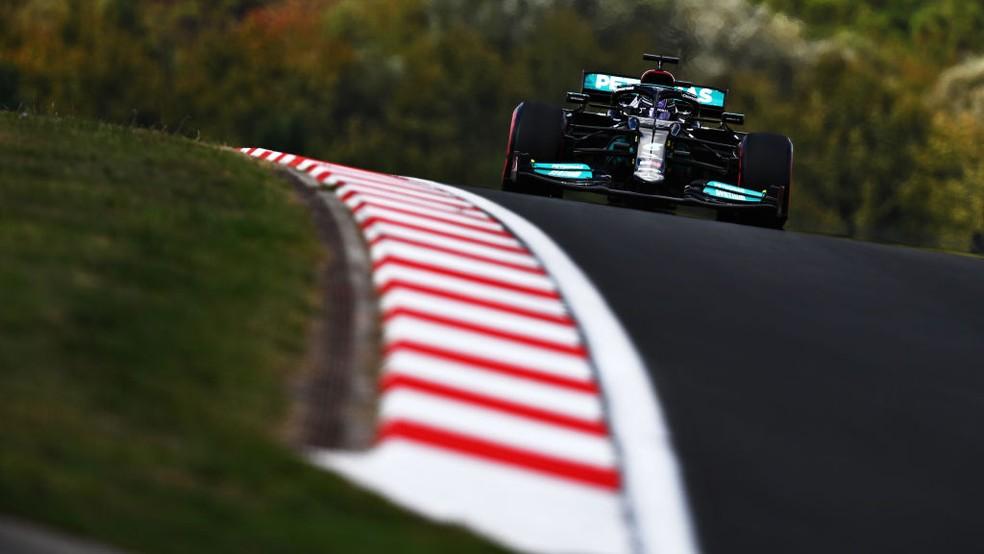 Lewis Hamilton, da Mercedes, no GP da Turquia de 2021 — Foto: Clive Mason - Formula 1/Formula 1 via Getty Images
