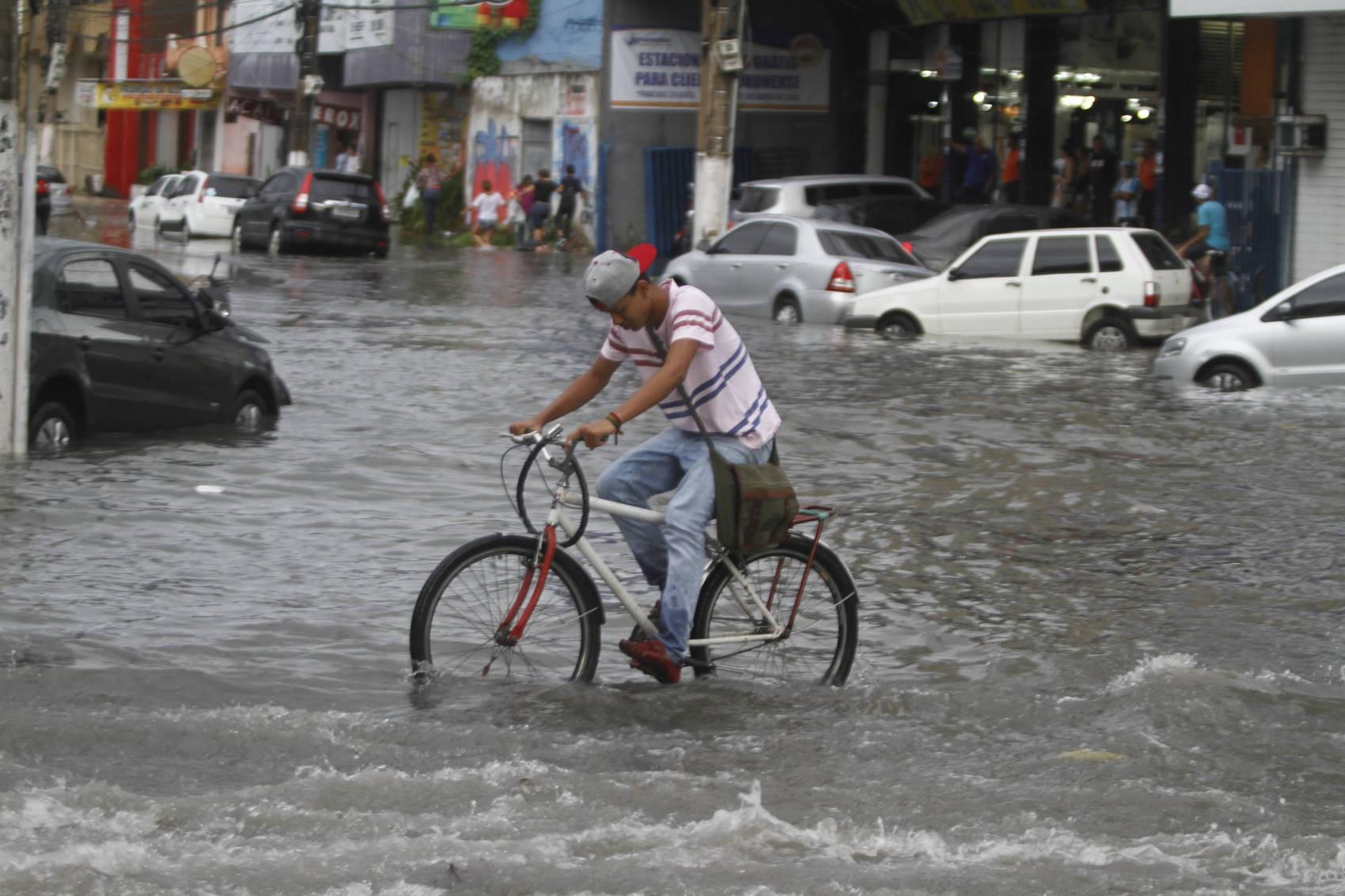 Prefeitura emite alerta para riscos de alagamentos devido chuvas e maré alta em Belém - Noticias