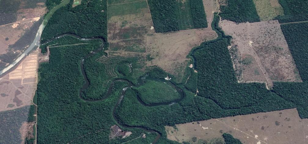 Área recuperada fica nos arredores do rio Preto, em Candeias do Jamari.  — Foto: Reprodução/Earth Studio
