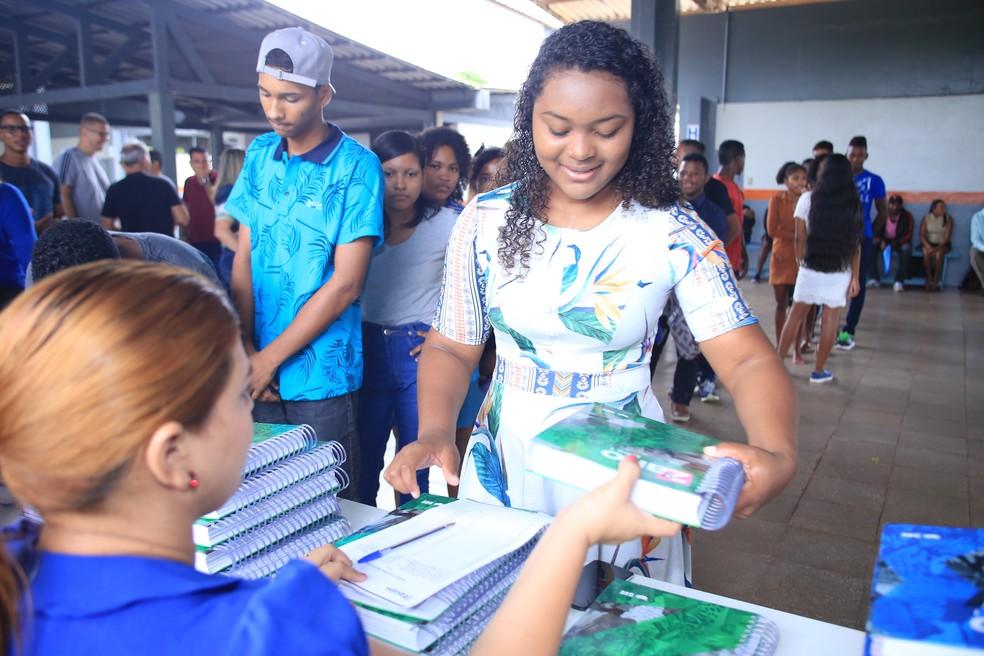 Estudantes receberão materiais escolares, uniformes e transporte como incentivo — Foto: Ascom MRN/Divulgação