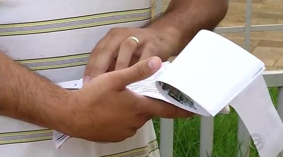 Carnês do IPTU chegaram a moradores de Fernandópolis (SP) e, em alguns casos, valor ultrapassou 100% de reajuste (Foto: Reprodução/TV TEM)