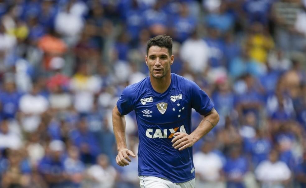 Thiago Neves é o jogador mais perigoso do Cruzeiro (Foto: Cristiane Mattos/Light Press)