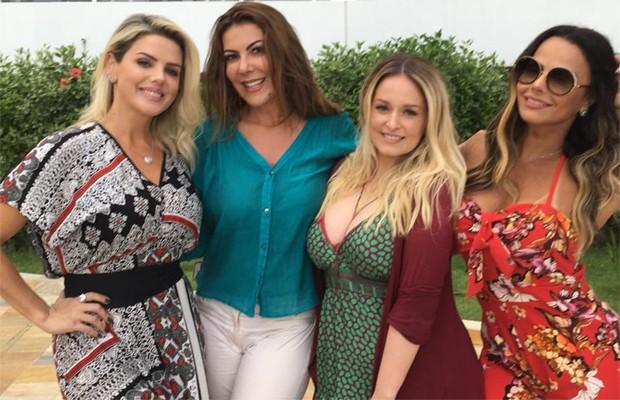 Mari Alexandre, Cláudia Lira, Luciana Vendramini e Viviane Araújo (Foto: Reprodução/Facebook)