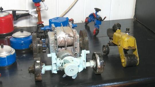 Mecânico transforma lixo em miniaturas de brinquedos no interior do Acre