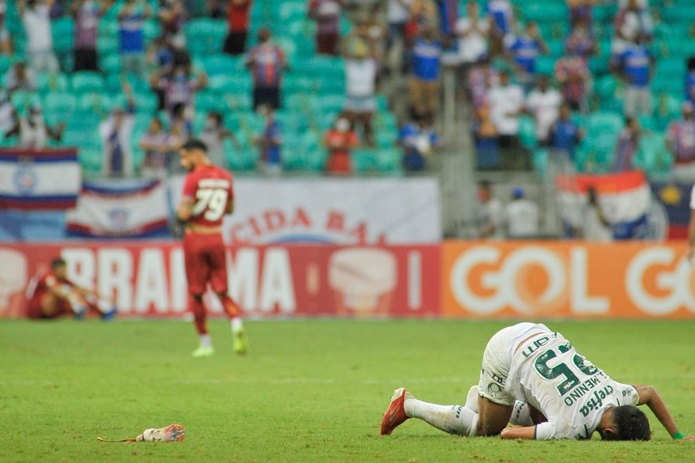 Gabriel Menino se lesionou em Bahia x Palmeiras — Foto: Jhony Pinho/AGIF