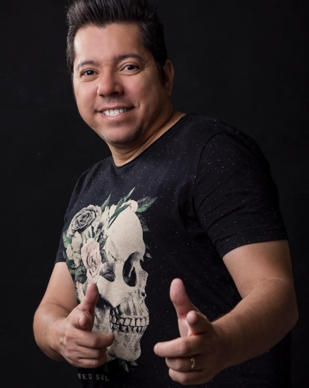 Louro Santos era cantor e compositor de forrós românticos — Foto: Reprodução/Instagram