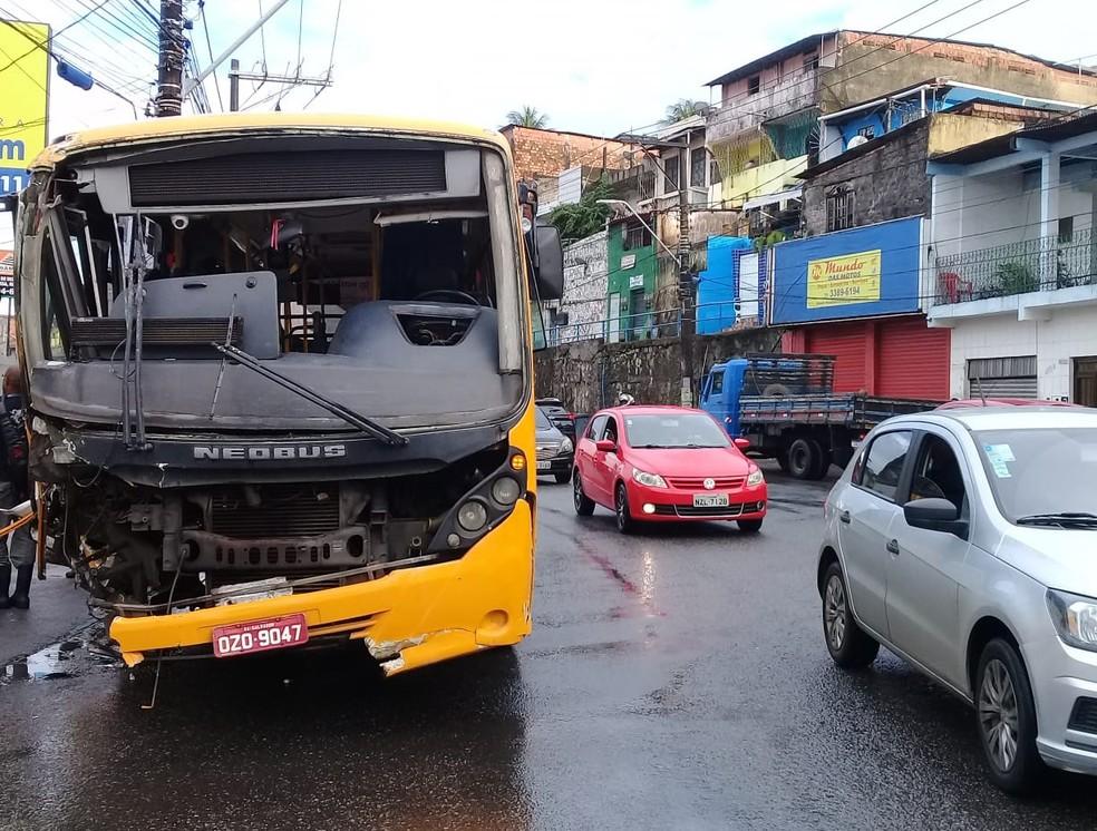 Trânsito no local ficou lento — Foto: Cid Vaz/TV Bahia