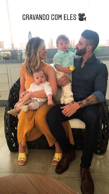 Em família (Foto: Reprodução / Instagram)