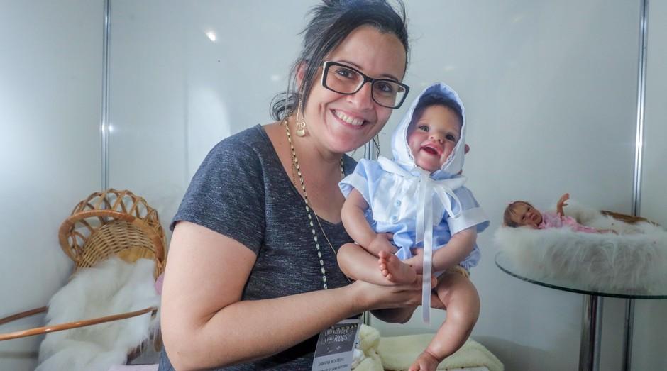 Janaína Monteiro: ela fatura fazendo bebês reborn (Foto: Sebrae-SP)