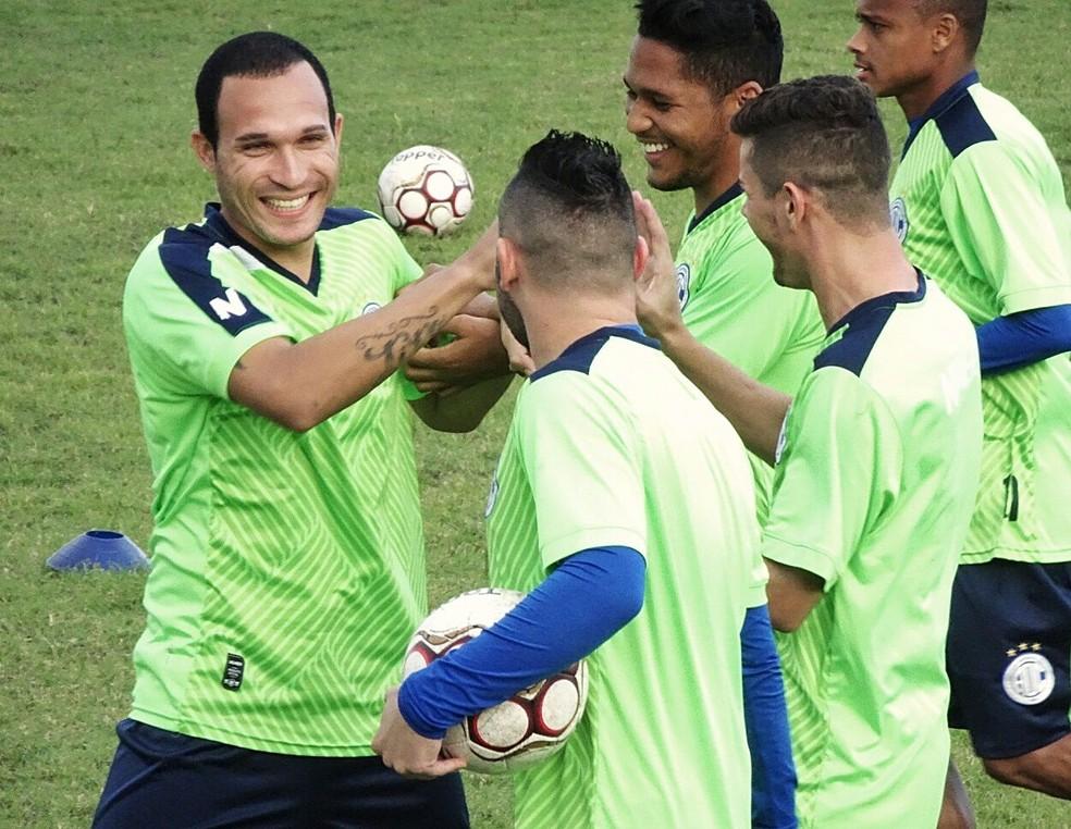 Se voltar, Tito poderá jogar com Silvy, Gabriel e Flávio novamente (Foto: João Áquila)