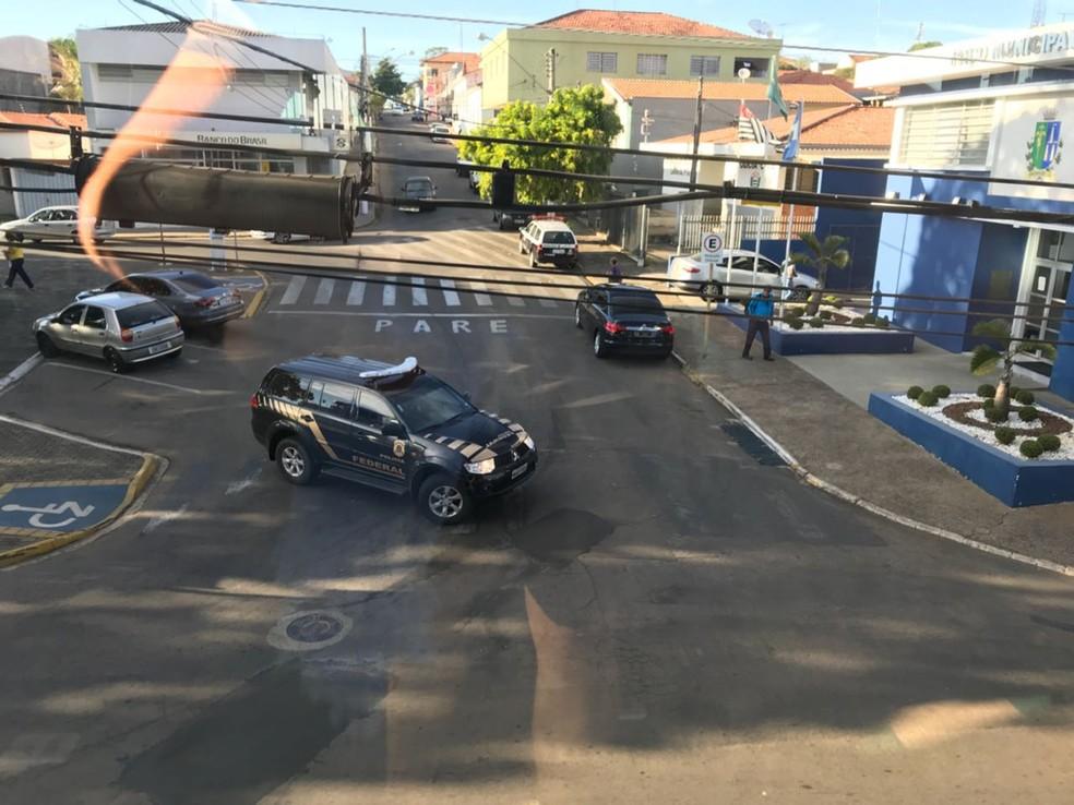 Polícia Federal realiza operação contra desvio de verbas em prefeitura de Laranjal Paulista (Foto: Divulgação)