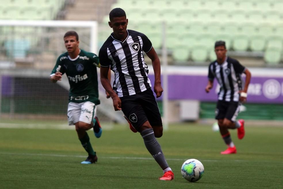 Guilherme Smith em Palmeiras x Botafogo sub-17 — Foto: Divulgação