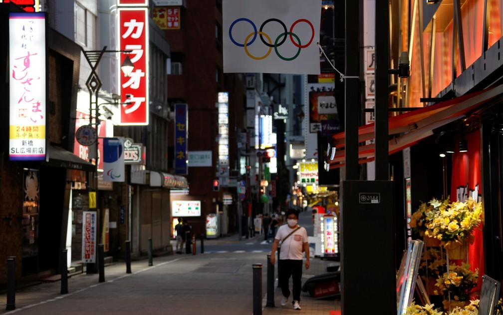 Movimento fraco em rua de Tóquio às vésperas dos Jogos Olímpicos, em foto de 27 de junho — Foto: Fabrizio Bensch/Reuters