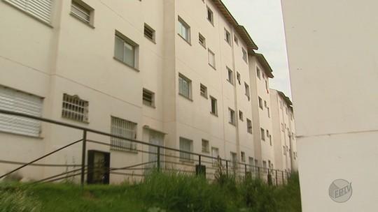 Menina de 9 anos usa lençol para fugir de apartamento e cai do 3º andar em Ribeirão