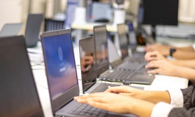 Plugify aluga equipamentos de TI para empresas