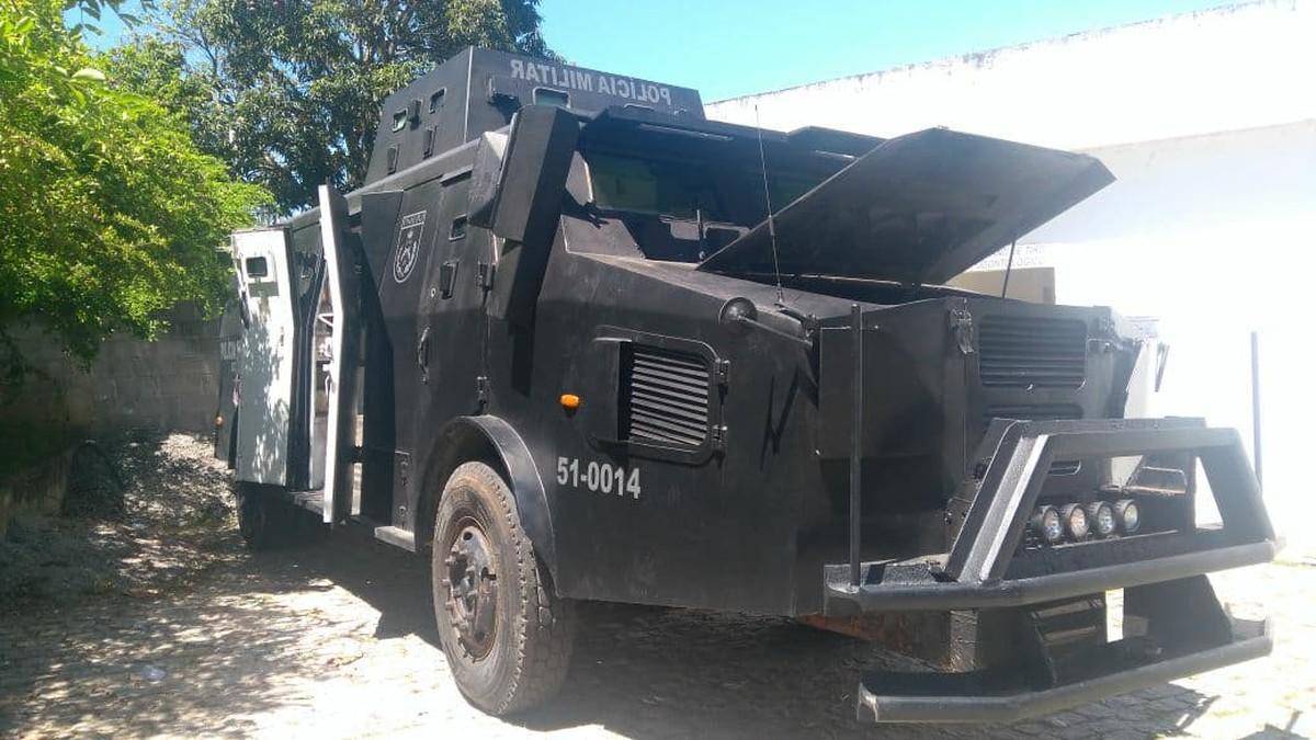 PM afirma que 'caveirão' vai continuar por tempo indeterminado em Macaé, no RJ