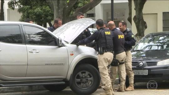 Padrão em automóveis levou a polícia a prender maiores fornecedores de armas para o crime no Rio