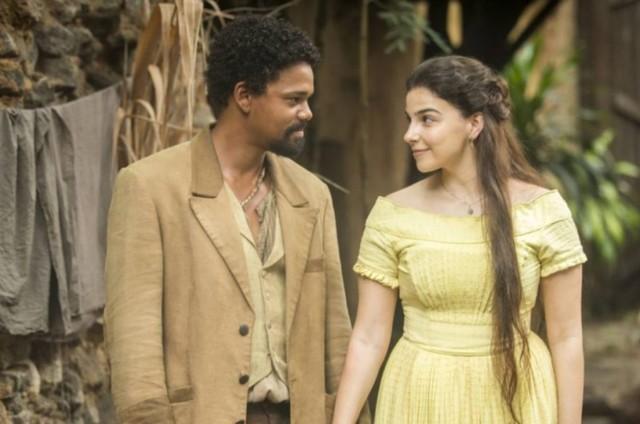 Michel Gomes e Gabriela Medvedovski como Samuel e Pilar em 'Nos tempos do Imperador' (Foto: Globo)