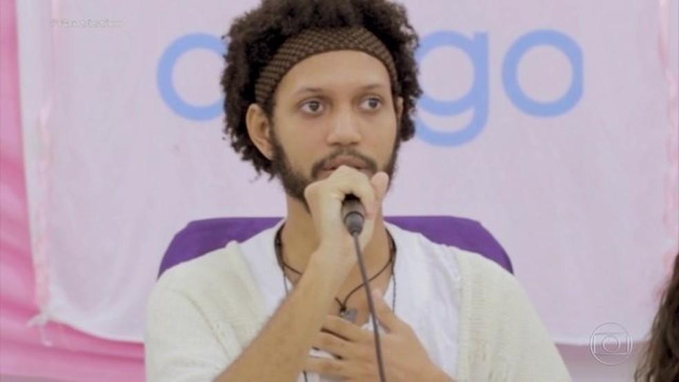Guru foi denunciado por vítimas da comunidade — Foto: Fantástico