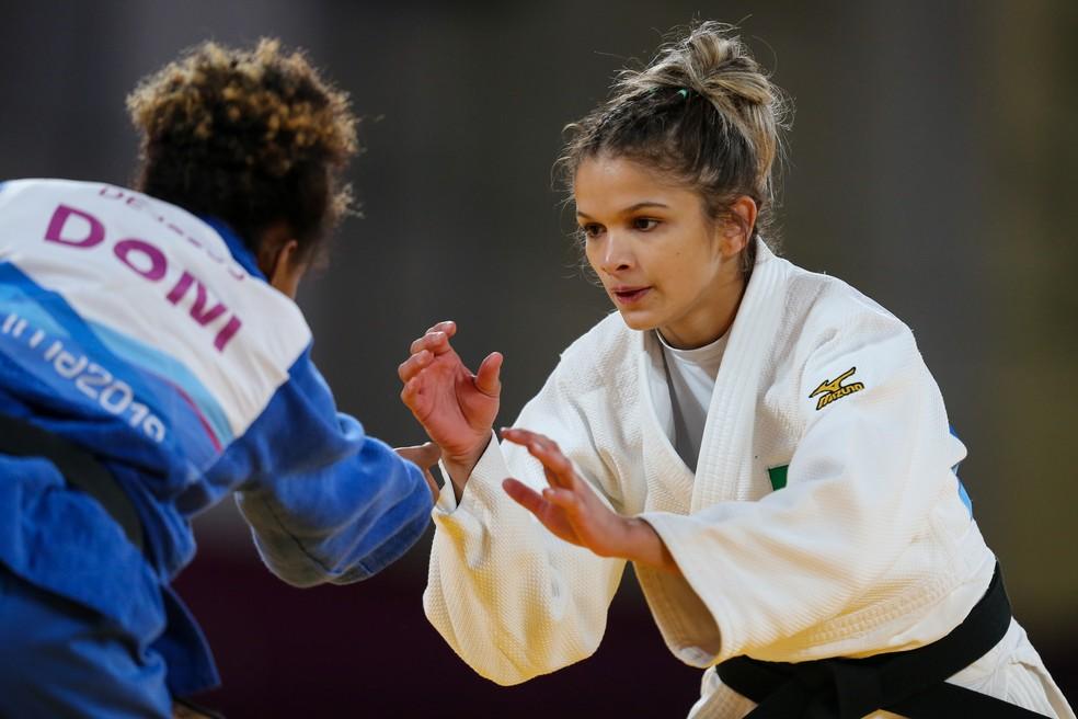 Larissa Pimenta luta na categoria -52kg nas disputas de judô no Pan — Foto: Abelardo Mendes Jr/ rededoesporte