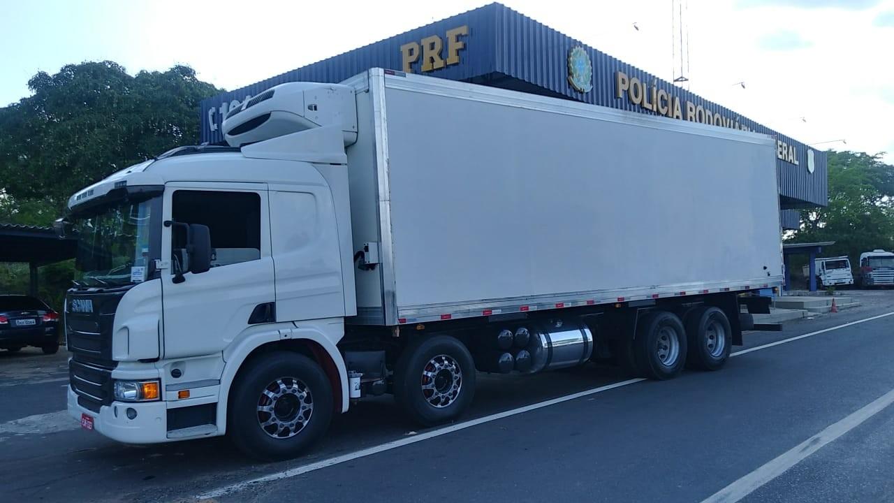 PRF recupera caminhão roubado na BR-316 no Maranhão - Notícias - Plantão Diário