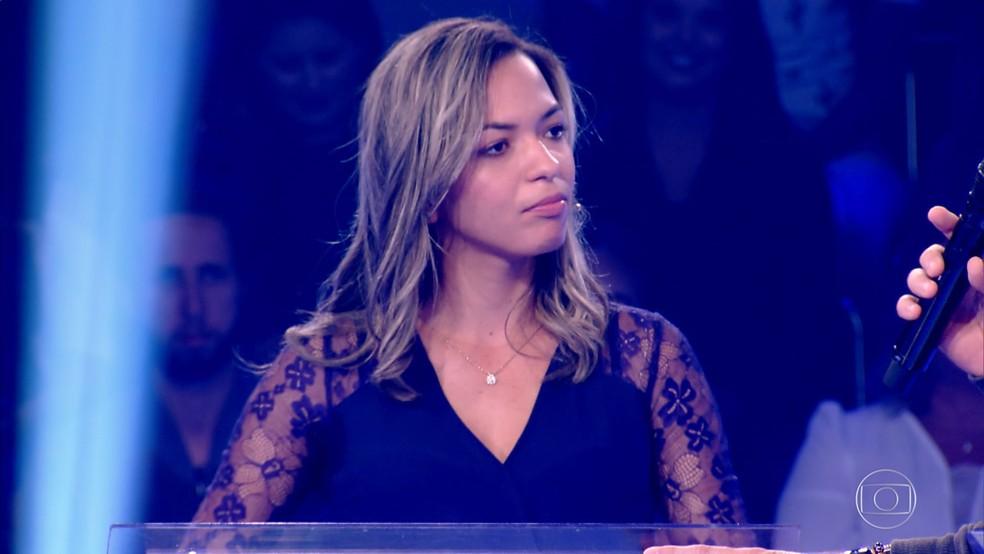 Juliana Batista ganha prêmio no 'Quem Quer Ser Um Milionário', no Caldeirão do Huck — Foto: Globo