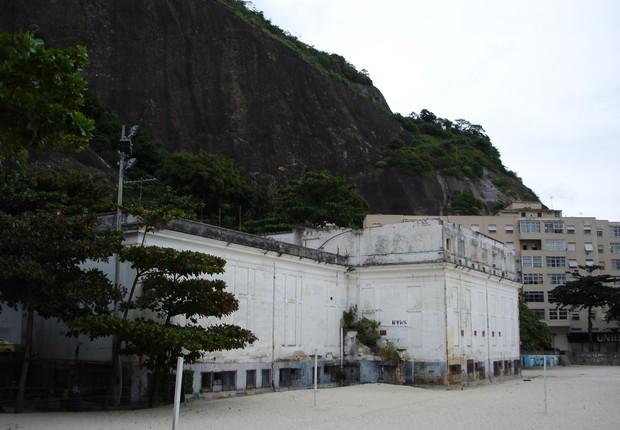 Prédio onde funcionava o antigo Cassino da Urca (Foto: Roberto Tietzmann/Wikicommons)