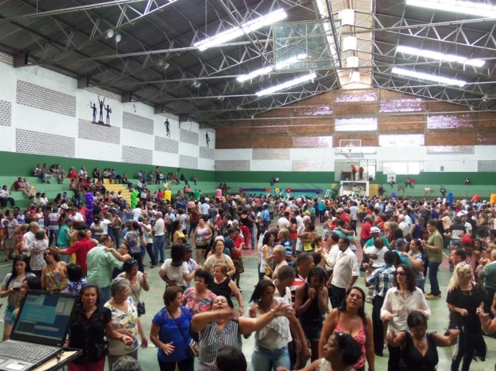 Encontro regional de idosos em Itaúna (MG) (Foto: Prefeitura de Itaúna/Divulgação)