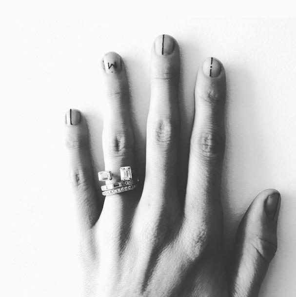 Tatuagem na unha (Foto: Reprodução/Instagram)