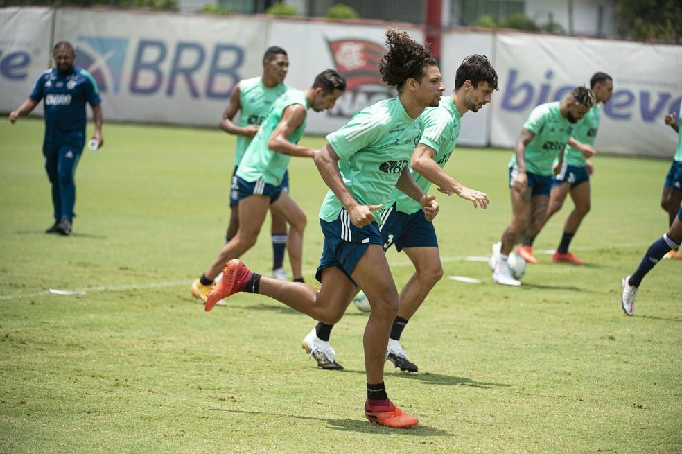 Willian Arão e Rodrigo Caio se reencontraram no Flamengo — Foto: Alexandre Vidal / Flamengo