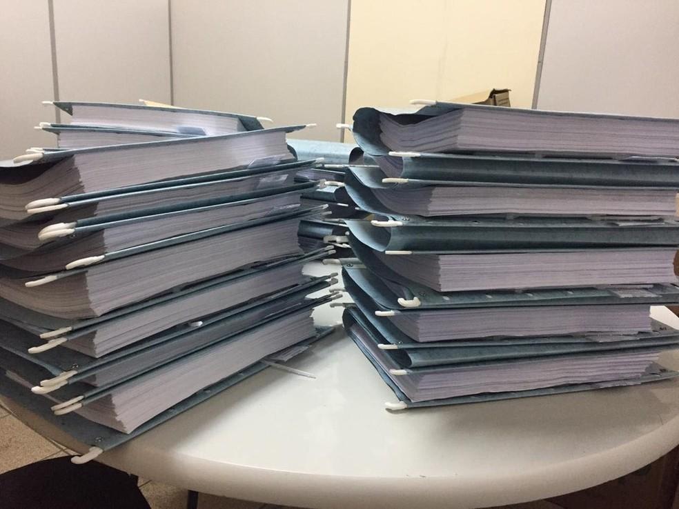 Processo teve mais de 15 mil páginas — Foto: Marcus Pena/G1