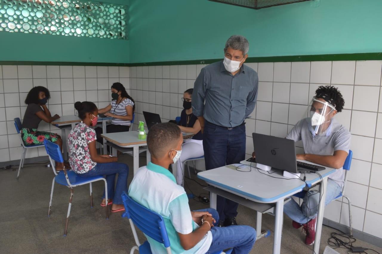Testes da Covid-19 em escolas de Cajazeiras começam na quarta-feira; veja calendário