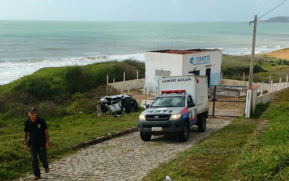 Acidente aconteceu na manhã deste domingo (30), na Via Costeira (Foto: Ítalo Di Lucena/Inter TV Cabugi)