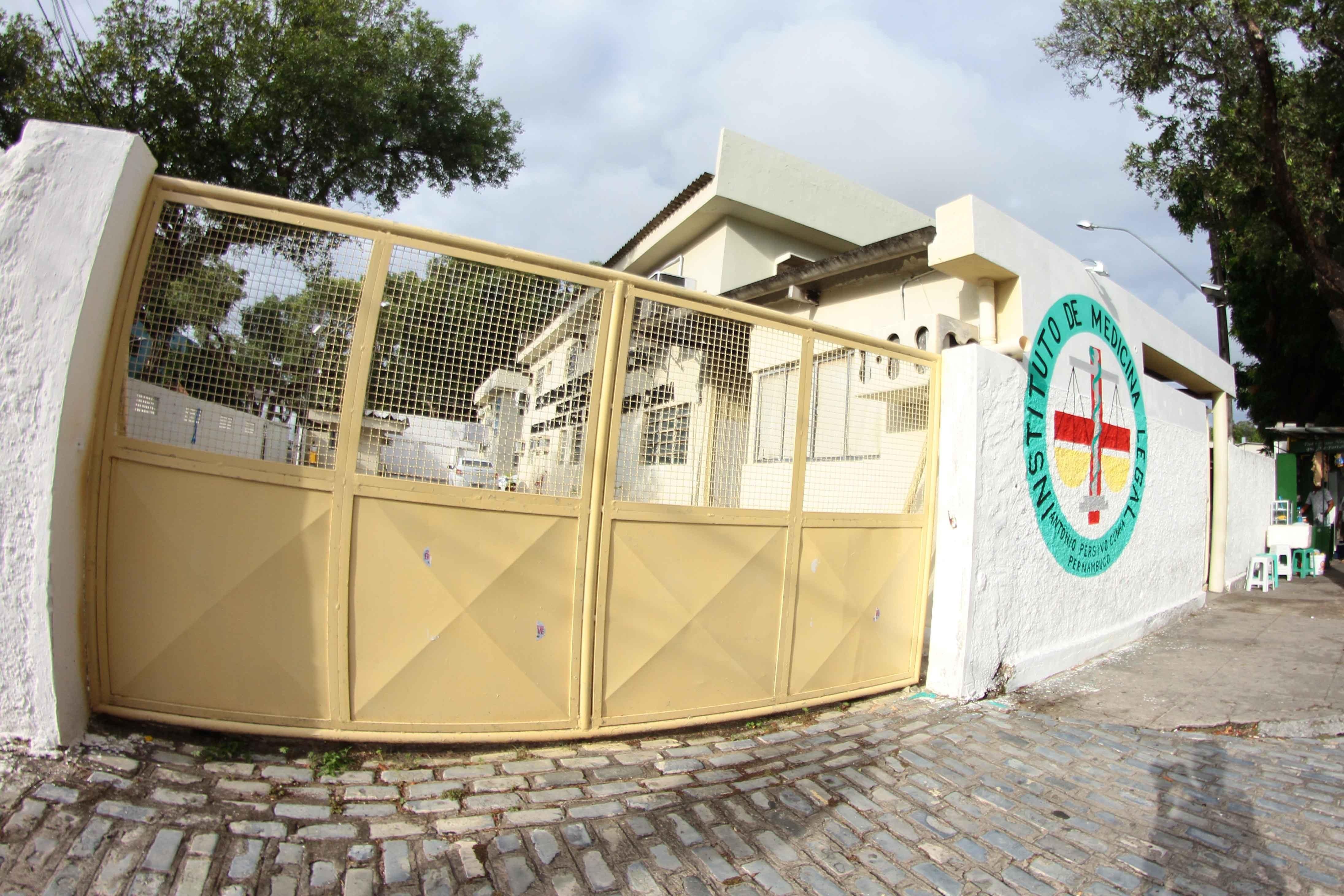 Homem é assassinado a tiros dentro de casa no Grande Recife