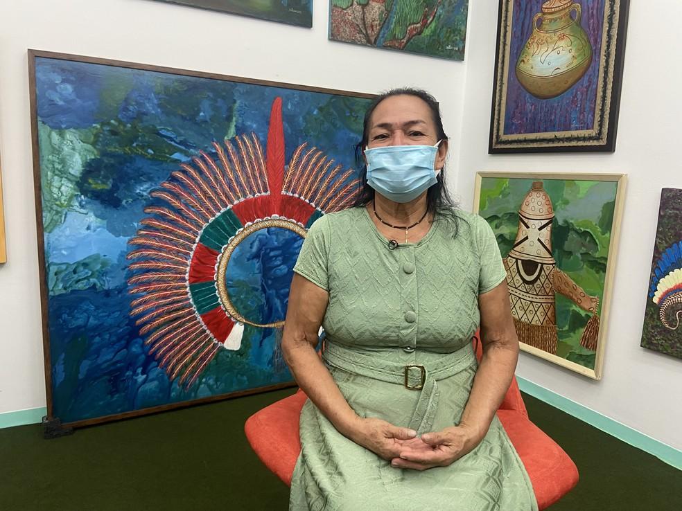 Artista amazonense Duhigó se tornou primeira indígena do estado a ter uma obra em exposição no Museu de Arte de São Paulo. — Foto: Patrick Marques/G1 AM