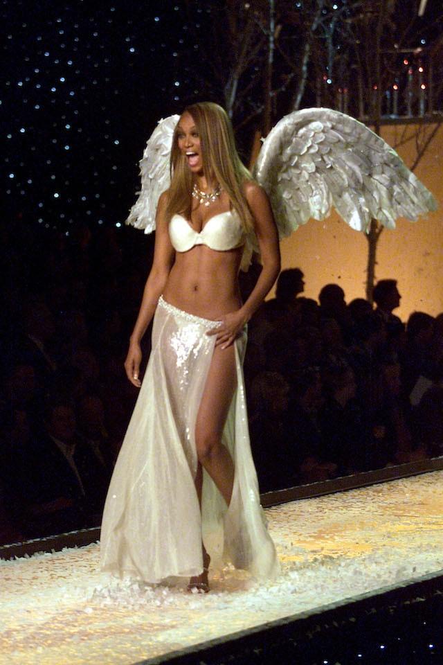 Tyra Banks, uma das angels mais icônicas da Victoria's Secret, foi o rosto da marca de 1997 a 2005 (Foto: Getty Images)