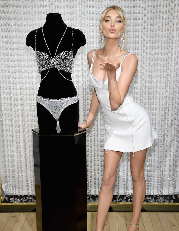 Elsa Hosk usa Fantasy Bra em 2018 (Foto: Getty Images/Reprodução)