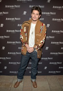John Mayer com LOOK 1