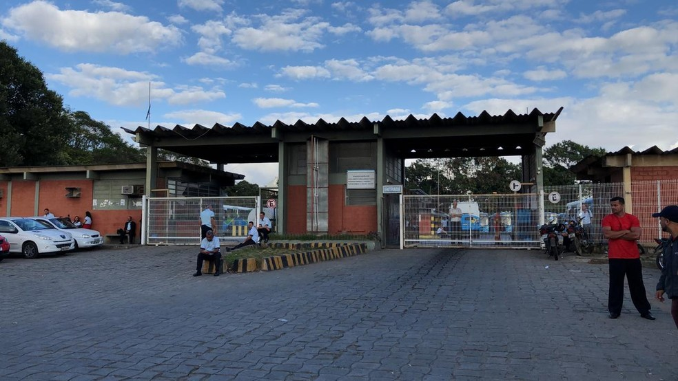 Garagem da Viação Satélite, em Cariacica — Foto: Diony Silva/ TV Gazeta