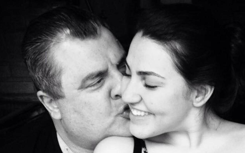 Gerson Brenner beija a filha Vitória Tacto (Foto: Arquivo pessoal)