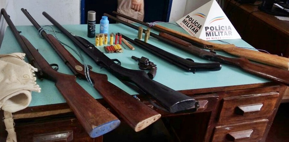 Material apreendido pela polícia (Foto: Policia Militar / Divulgação)