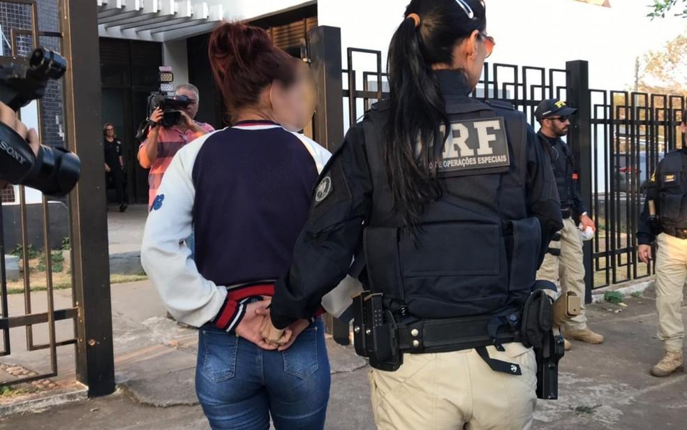 Operação contra tráfico de drogas e armas cumpre mais de 40 mandados de prisão em Goiás  — Foto: Guilherme Rodrigues/TV Anhanguera
