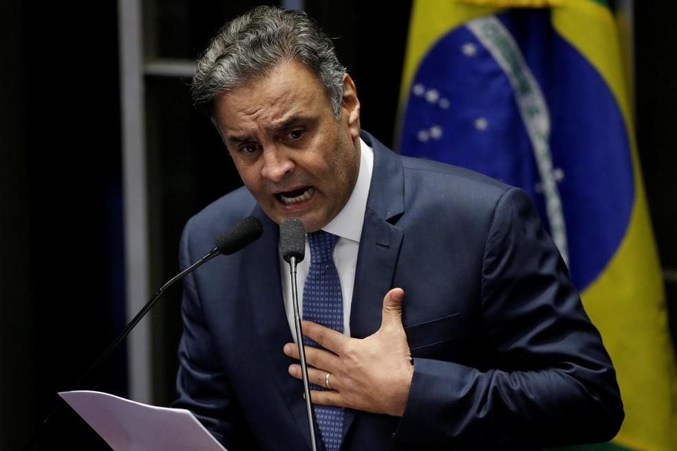 O senador Aécio Neves (PSDB-MG) durante discurso em julho, no plenário, ao retornar ao Senado após o primeiro afastamento (Foto: Ueslei Marcelino/Reuters)