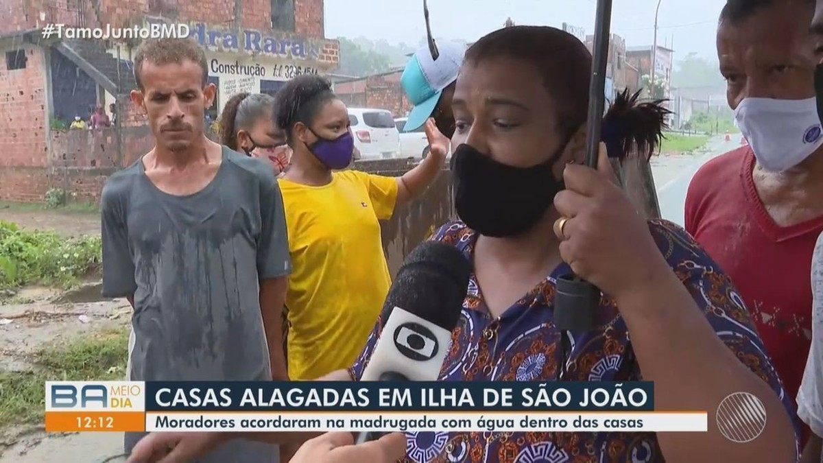 Chuva forte: Moradores de Ilha de São João protestam após terem casas alagadas